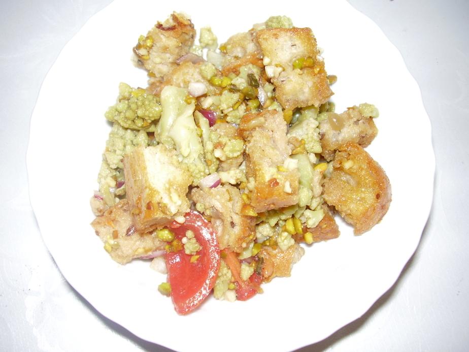 Romanesco-Brot-Salat