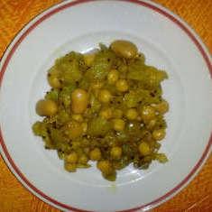 Auberginen-Hülsenfrüchte indisch
